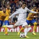 """Bóng đá - Ronaldo cạnh tranh """"Bàn chân vàng"""" với Pirlo"""