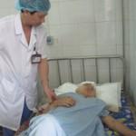An ninh Xã hội - Mới sinh con 9 ngày bị bố chồng chém trọng thương