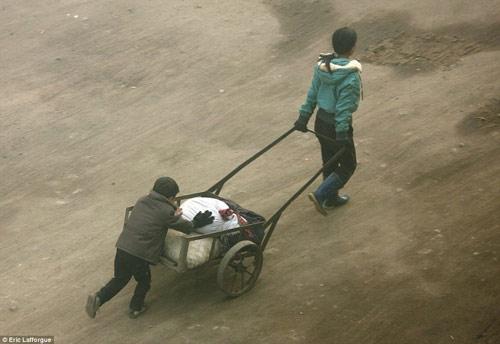 Bộ ảnh hiếm về cuộc sống nông thôn Triều Tiên