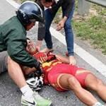 Thể thao - Nghịch lý đời VĐV xe đạp: Tai nạn và rủi ro quá lớn