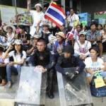 Thế giới - Thái Lan: Hàng loạt đài truyền hình bị chiếm giữ