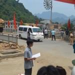 Tin tức trong ngày - Mất lái vì đường xấu, một người bị xe tải cán chết