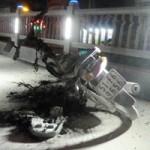 Tin tức trong ngày - Đang chạy, xe máy bỗng phát hỏa trên cầu vượt