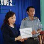 Tin tức trong ngày - Bộ Trưởng Bộ Y tế thăm kiểm ngư bị thương