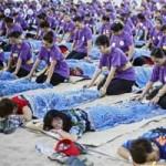 Phi thường - kỳ quặc - 1.000 người mát xa lập kỉ lục thế giới