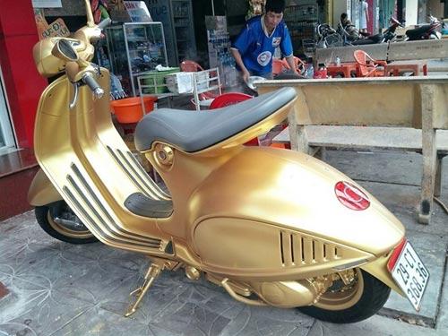 Choáng bộ 3 xe Ducati Diavel, Vespa 946 và Range Rover mạ vàng - 6