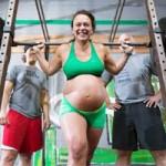 Phi thường - kỳ quặc - Bà bầu sắp sinh nâng tạ gần 100kg