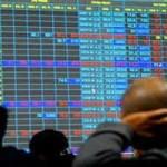 """Tài chính - Bất động sản - Cổ phiếu ngân hàng """"vụt sáng"""", chứng khoán vẫn hụt hơi"""