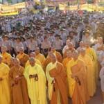 Hàng ngàn người dự Đại lễ Phật đản cầu quốc thái, dân an