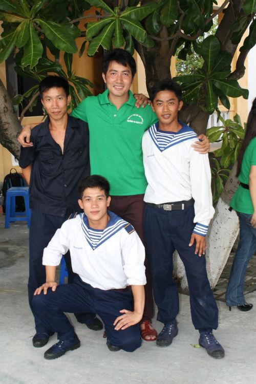 Nguyễn Phi Hùng và kỷ niệm bão táp ở Trường Sa - 4