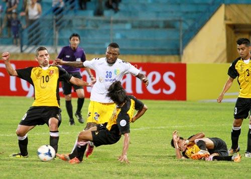 Thắng giòn giã, HN.T&T lọt vào tứ kết AFC Cup - 1