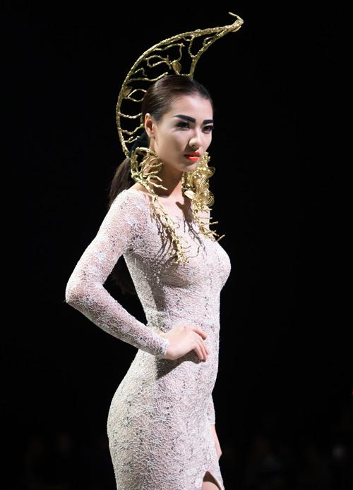 Tùng Dương làm vedette trên sàn diễn thời trang - 13
