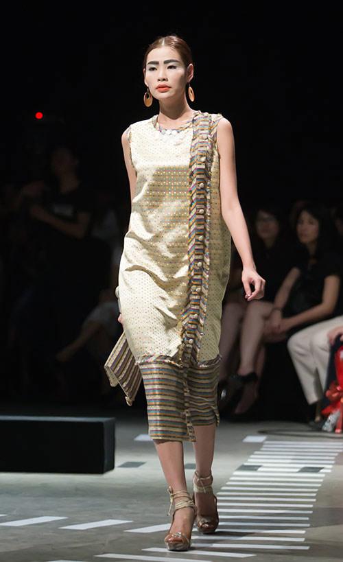 Tùng Dương làm vedette trên sàn diễn thời trang - 15