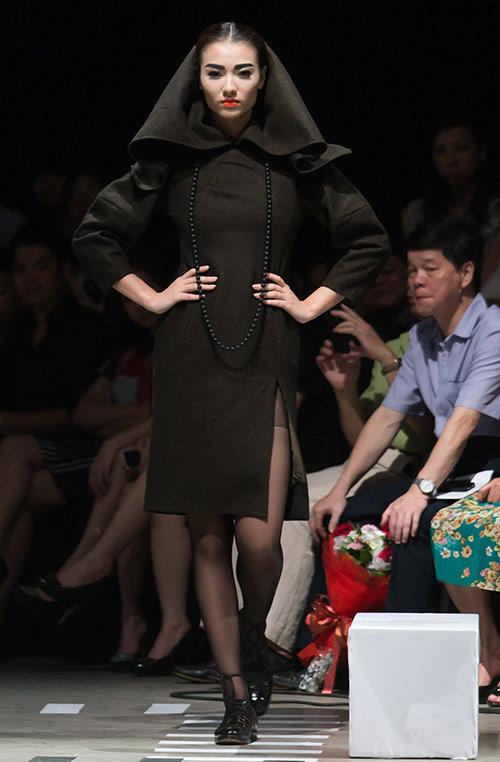 Tùng Dương làm vedette trên sàn diễn thời trang - 10