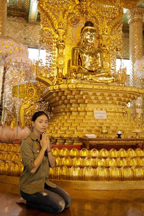 Vân Ngô đội nắng tìm Phật ngọc làm từ thiện - 1
