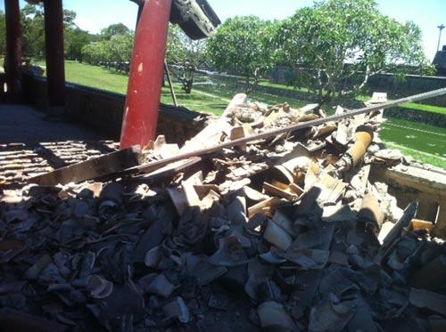 Huế: Một góc Phu Văn Lâu bất ngờ đổ sụp - 2
