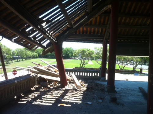 Huế: Một góc Phu Văn Lâu bất ngờ đổ sụp - 3