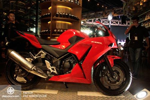 Honda ra mắt CBR250R 2014 siêu tiết kiệm nhiên liệu - 4