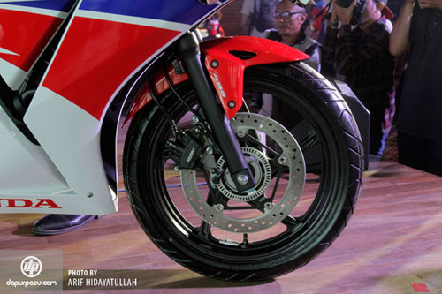 Honda ra mắt CBR250R 2014 siêu tiết kiệm nhiên liệu - 6