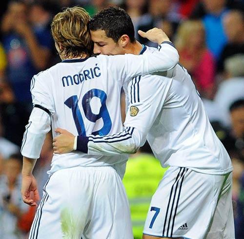 Real: Hai niềm hy vọng bên cạnh Ronaldo - 2