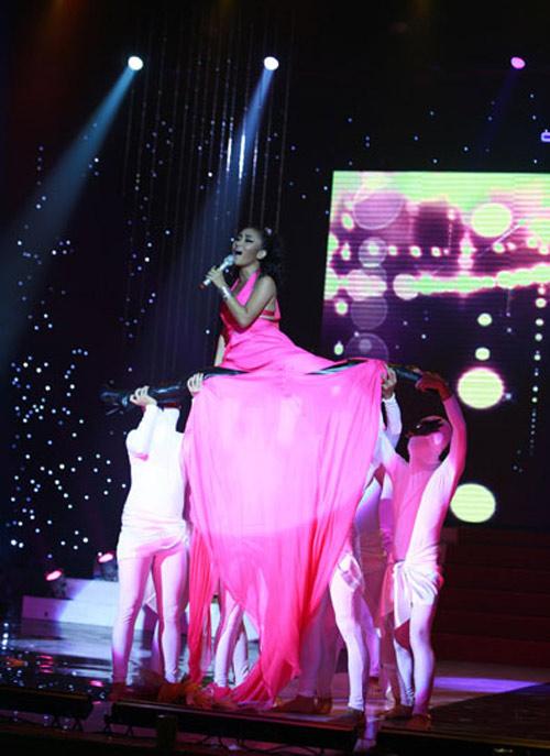 Choáng với phiên bản Lady Gaga xứ Việt - 17