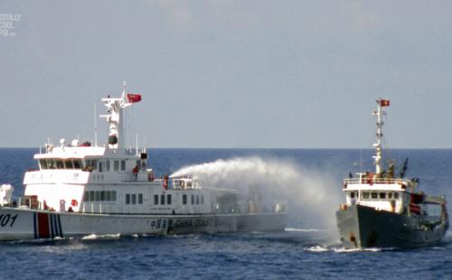 Vì sao Trung Quốc dám ngang ngược trên Biển Đông? - 2