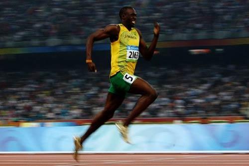 """""""Tia chớp"""" Usain Bolt sắp bị người máy đánh bại - 2"""