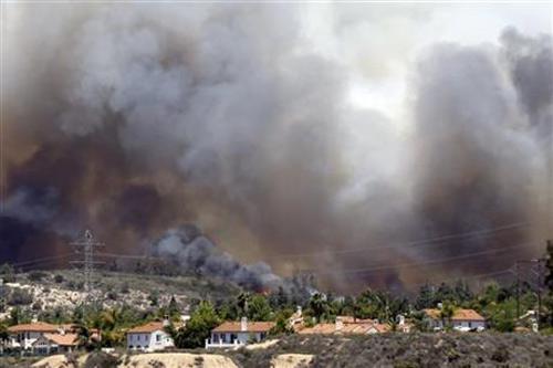 Mỹ: 20.000 người phải di tản vì cháy rừng - 1