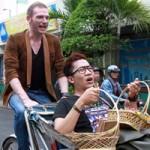Ngôi sao điện ảnh - Kyo York đạp xích lô kêu gọi từ thiện