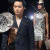 Tùng Dương làm vedette trên sàn diễn thời trang