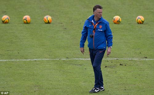 Với Van Gaal, MU đặt mục tiêu trở lại… cúp C1 - 1
