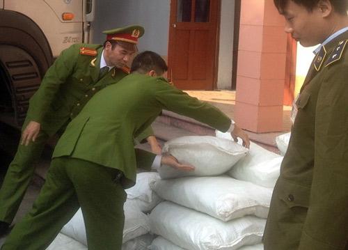 Hàng thải loại, nhiễm độc Trung Quốc tràn lan chợ Việt - 5