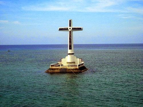 Độc đáo nghĩa trang dưới dưới biển ở Philippines - 2