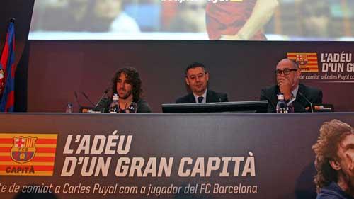 Puyol họp báo chia tay Barca trong nước mắt - 1