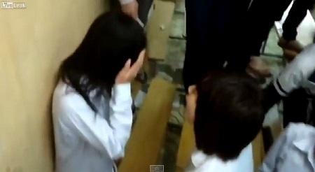 Nữ sinh bị tát sưng mặt vì tội ''ăn trộm'' - 1