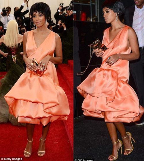 Hãng thời trang ăn theo vụ ẩu đả của nhà Beyonce - 1