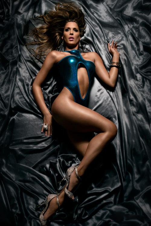 Hãng thời trang ăn theo vụ ẩu đả của nhà Beyonce - 4
