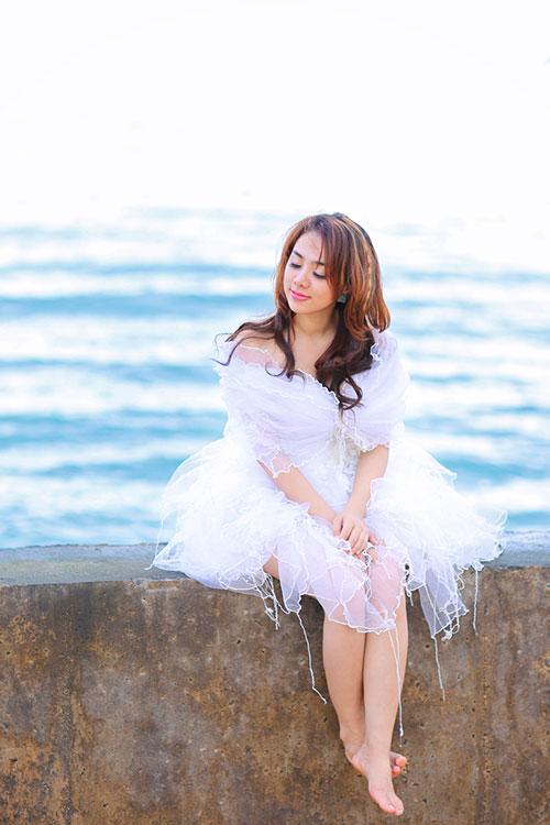 """Lan Trinh mặc váy cưới cưỡi mô-tô """"khủng"""" - 4"""
