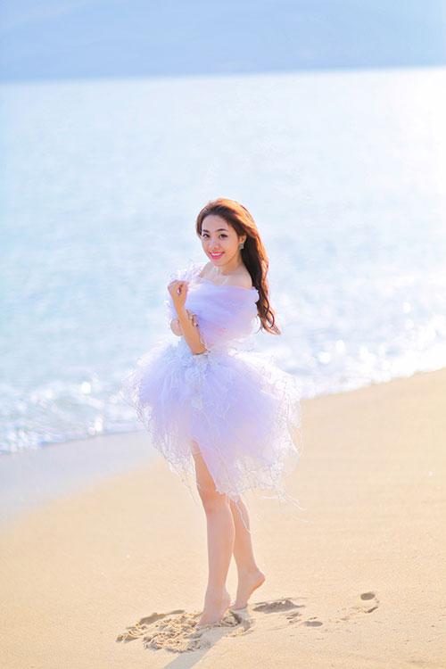 """Lan Trinh mặc váy cưới cưỡi mô-tô """"khủng"""" - 5"""