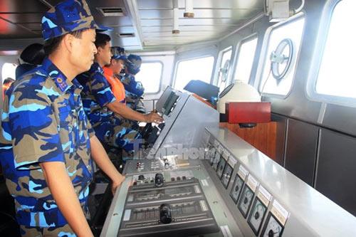 Trên tàu Cảnh sát biển làm nhiệm vụ ở Hoàng Sa - 1