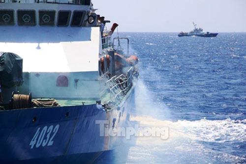 Trên tàu Cảnh sát biển làm nhiệm vụ ở Hoàng Sa - 6