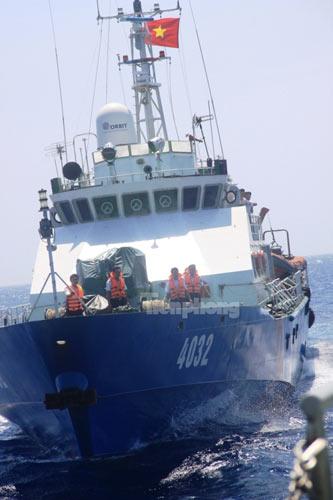 Trên tàu Cảnh sát biển làm nhiệm vụ ở Hoàng Sa - 7