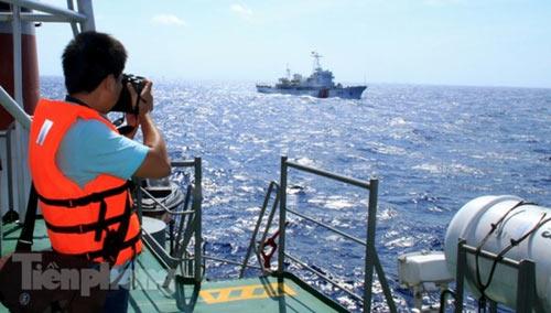 Trên tàu Cảnh sát biển làm nhiệm vụ ở Hoàng Sa - 3