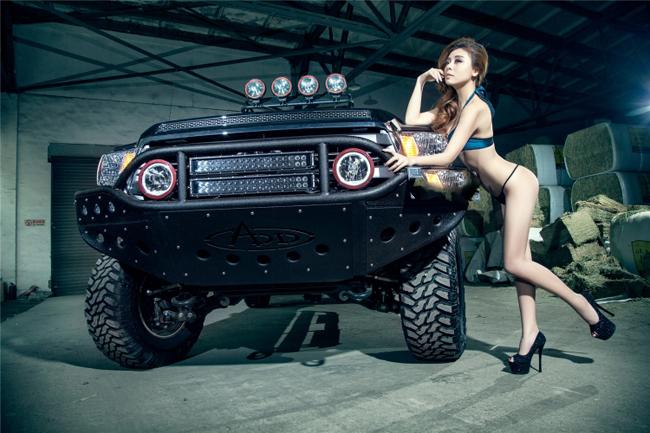 Leanna khoe vòng 1 sexy bên Ducati Monster 1200  Chân dài diện bikini mỏng manh khoe vòng 3 nóng bỏng  Chân dài gợi cảm o ép vòng 1 bên Camaro  Siêu vòng 1 gợi cảm bên xế sang Lexus IS 300  Thiếu nữ khoe đường cong sexy bên BMW M3  Siêu xe cặp chân dài: Sức hút khó cưỡng