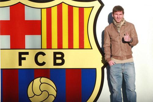 Messi biến Ronaldo thành số 3 thế giới về lương - 2