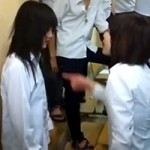 Bạn trẻ - Cuộc sống - Nữ sinh bị tát sưng mặt vì tội ''ăn trộm''