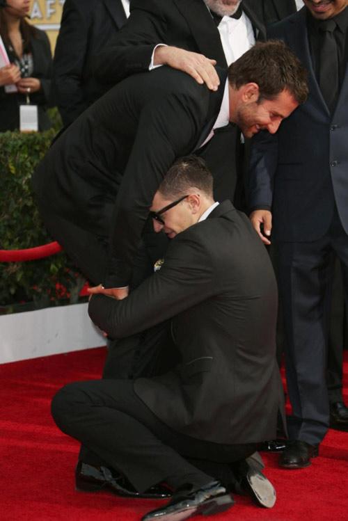 """""""Điêu đứng"""" với kẻ phá quấy thảm đỏ Cannes - 11"""