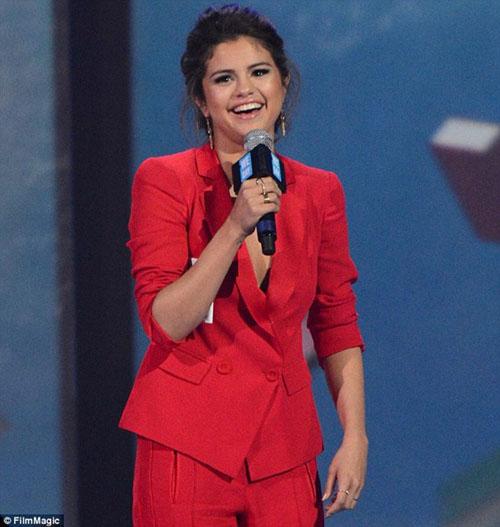 Selena Gomez và những tin đồn trớ trêu - 3