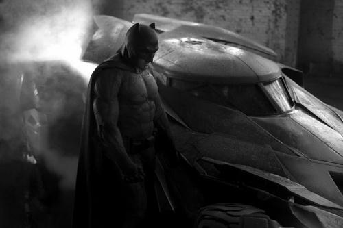 """Xế khủng trong phim """"Batman vs. Superman"""" lộ diện - 1"""
