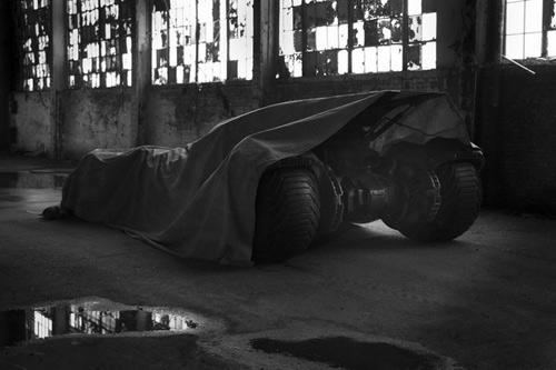 """Xế khủng trong phim """"Batman vs. Superman"""" lộ diện - 2"""